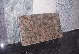 6. Ylämaan Ruskea graniitti